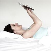 Ternyata Komputer Tablet Bisa Membuat Insomnia
