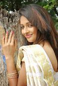 Eesha Ranganath Photos-thumbnail-4