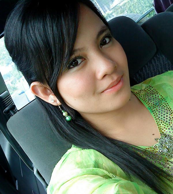 awek tudung bogel malaysia gadis idaman alisa