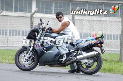 Surya in 'Ghajini' Movie 4