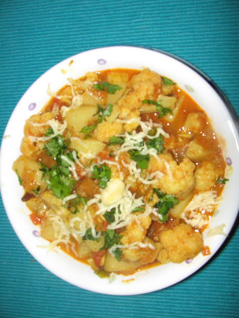 Cook Book: Aloo Gobi (Potato n Cauliflower curry)