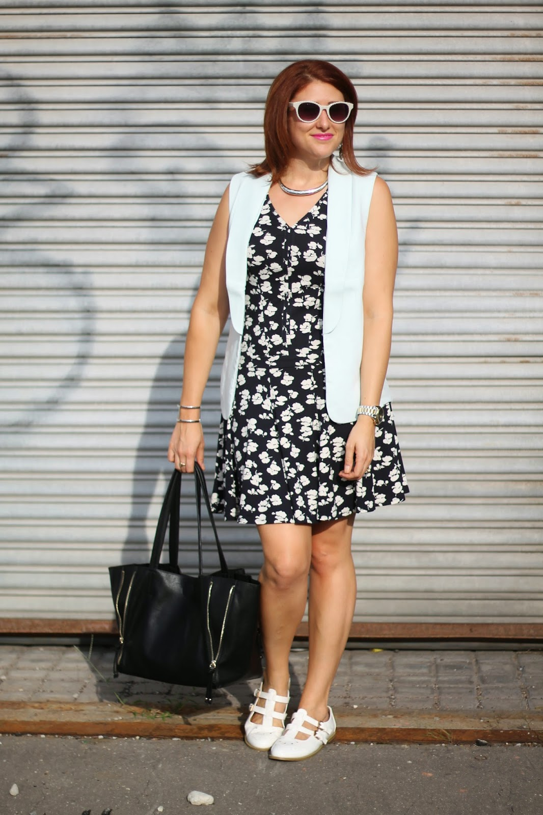 ann, taylor, boohoo, daily, look, sleeveless, blazer