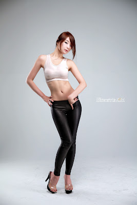 Lee Eun Seo Sexy Model Sexy Body White and Black