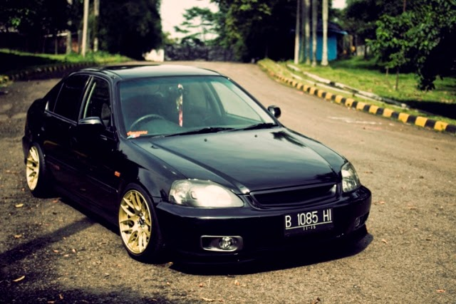 Modifikasi Honda Ferio Simple Black