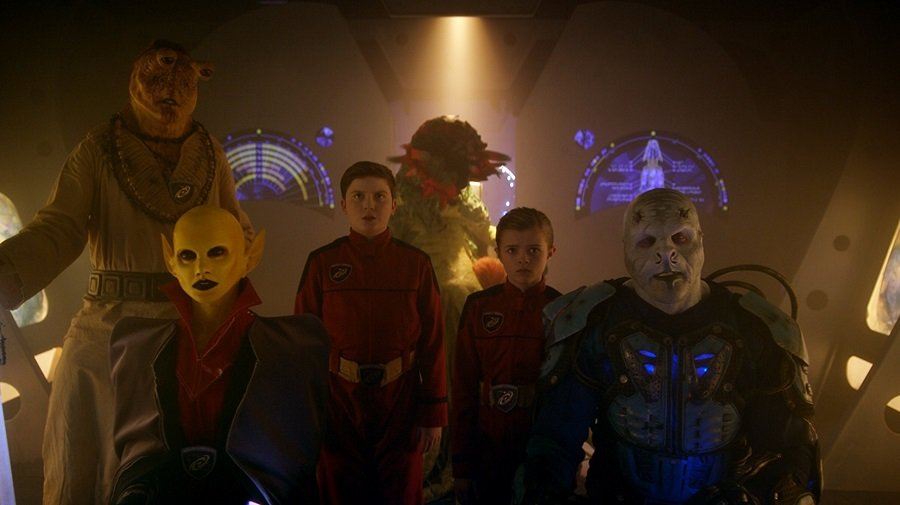 Tem Alienígenas no meu Quarto 2018 Filme 1080p 720p FullHD HD Webdl completo Torrent