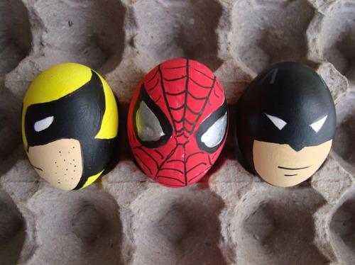 Huevos de Pascua de Lobezno, Spiderman y Batman