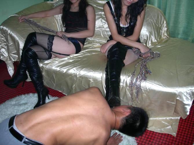 massage erotic stilletoes brothel