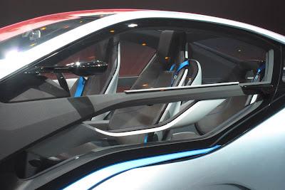 18 bmw i3 i8 live 1 BMW i3 & i8, Konsep Mobil Listrik Masa Depan