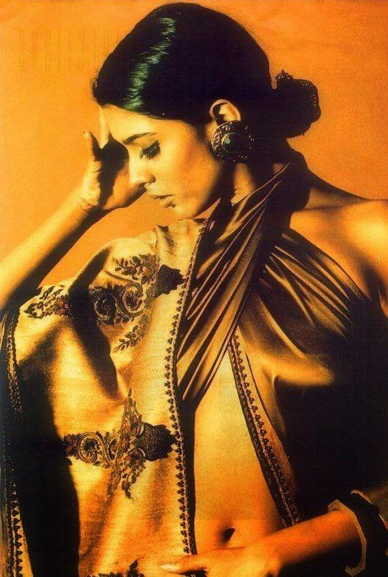 Anupam Verma's Hot Navel Show Belly visible HD Hot Pics