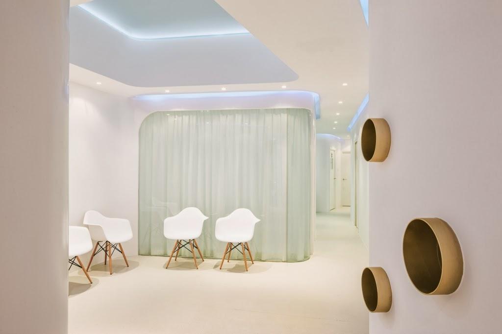 Dental Clinic Interior Design By YLAB Arquitectos