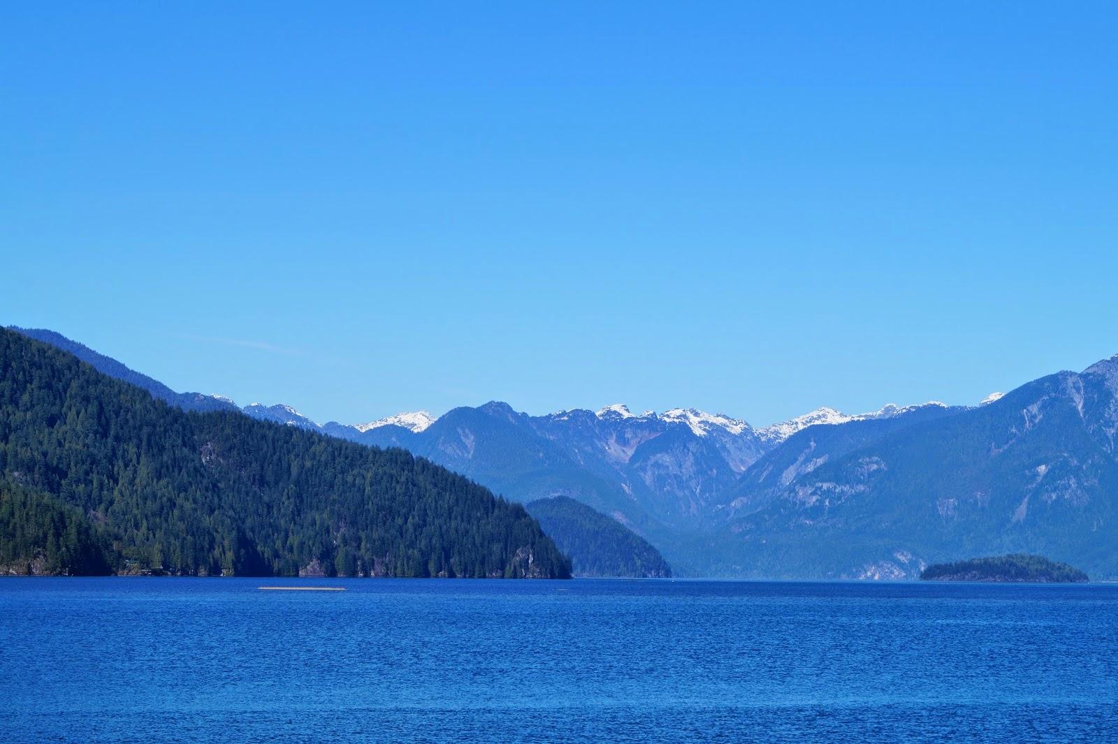 Вид на озеро Pitt с трейла