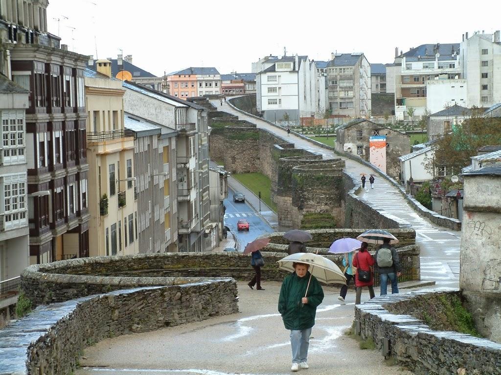 Caminando por las murallas de Lugo