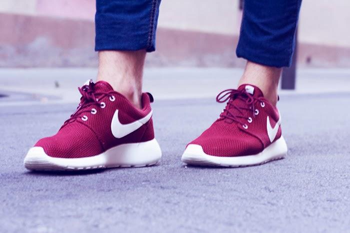 Nike Roshe One granate
