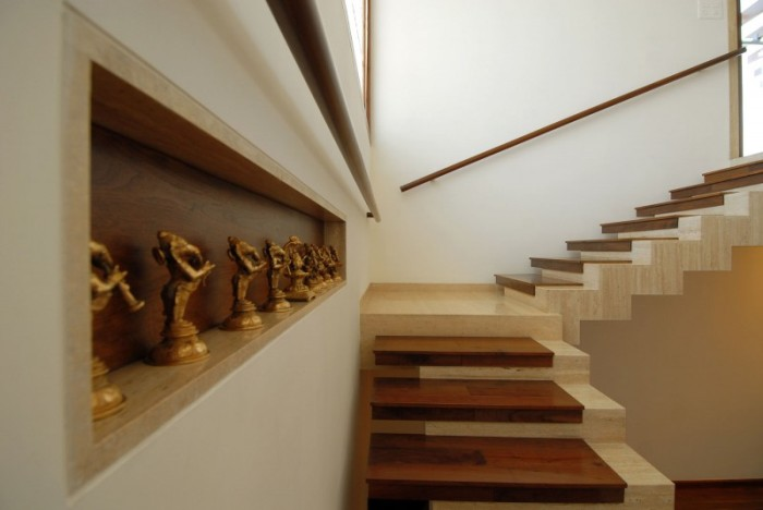 Hogares frescos dise o interior de fabuloso duplex en - Material para escaleras interior ...