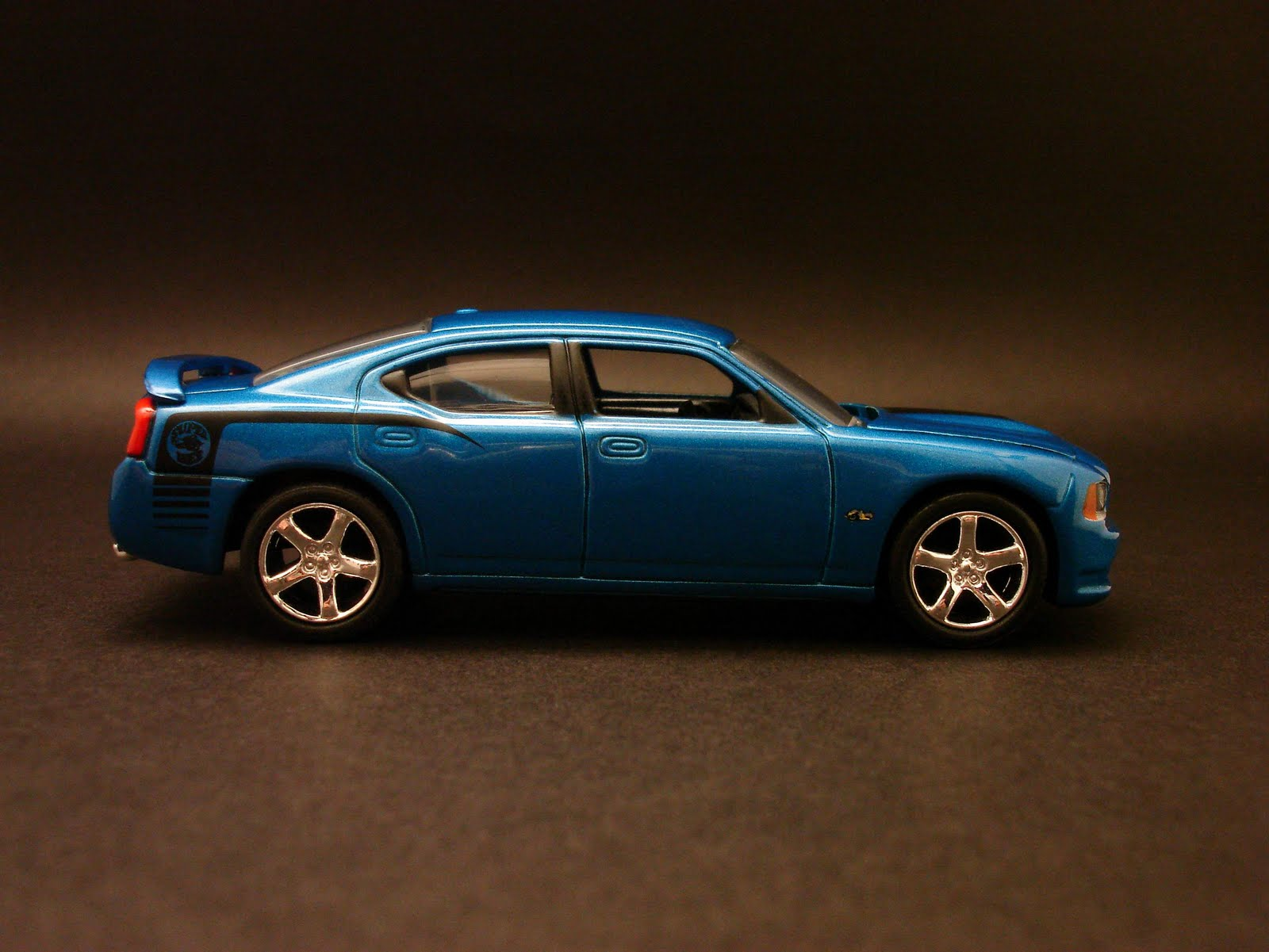 diecast hobbist 2008 dodge charger srt8 super bee. Black Bedroom Furniture Sets. Home Design Ideas