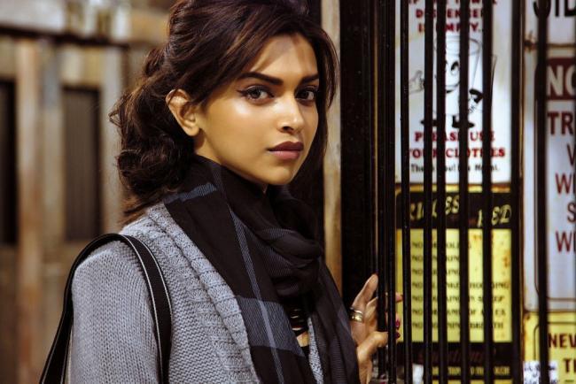 Cocktail Movie Stills - Deepika Padukone,Saif Ali Khan & Diana Penty