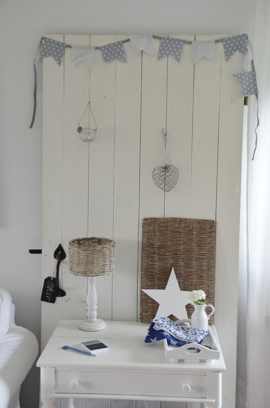 house no 43 alte t r als dekoration old door as decoration. Black Bedroom Furniture Sets. Home Design Ideas