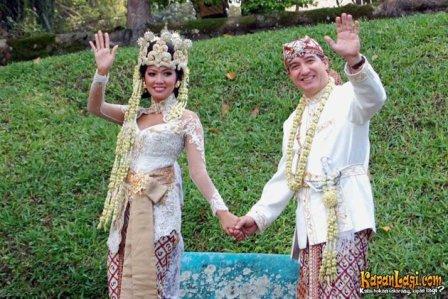 Artis Indonesia tersebut, masih banyak artis-artis selebriti Indonesia ...