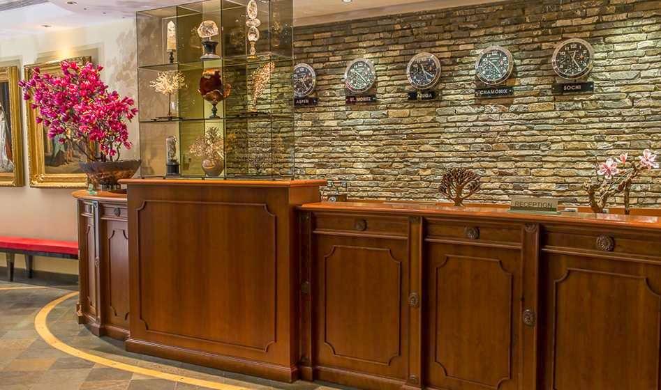 oferte craciun 2014 la azuga hotel lux garden 5 stele