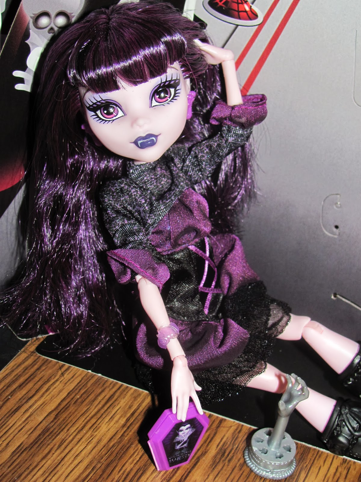 Monster High Doll Review-Elissabat Ghoul Fair - Isbah's Blog