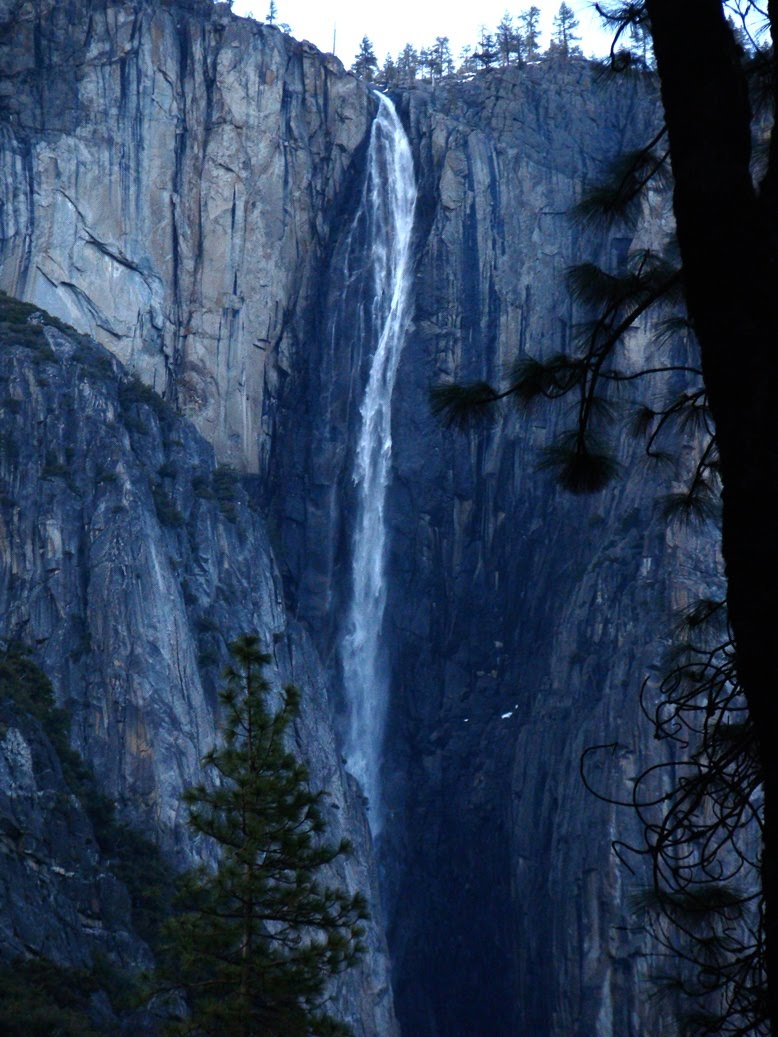 As noted a few posts ago the highest single drop in yosemite valley is not upper yosemite fall 1 430 feet but is instead ribbon fall 1 612 feet just