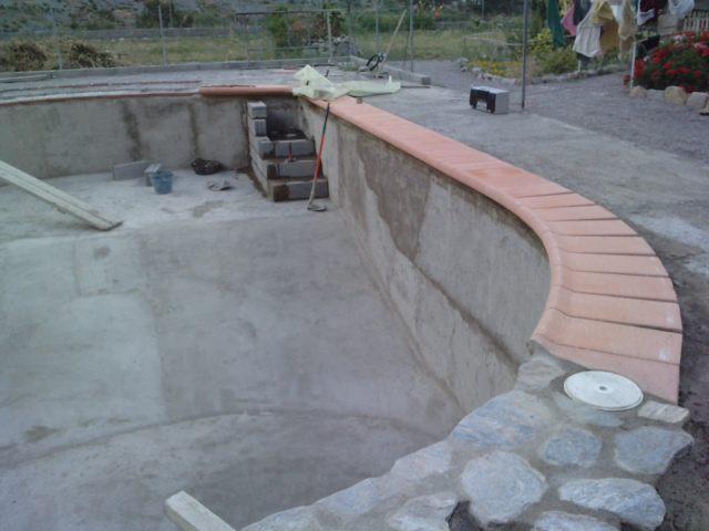 Los bricos de mi marido piscina hecha a mano - Piedras para piscinas ...