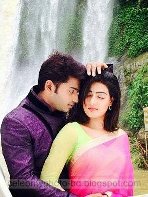 Mahiya+Mahi+and+Bappy+Chowdhury's+Some+Romantice+Hot+Photos+Latest+Collection+From+Bangla+Movie+Honeymoon+(2014)019