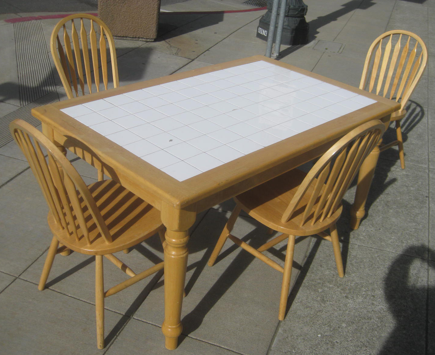 Uhuru Furniture Amp Collectibles Sold Tile Top Table And Four Chairs 90