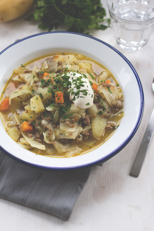 Die Mädchenküche kocht #4 - Thema: Kohl! Bei mir Weißkohl-Lamm-Eintopf mit Hackfleisch, Kartoffeln und Möhren