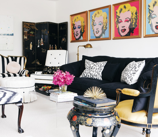 Mix and chic home tour old hollywood decor in toronto for Hollywood glam living room ideas