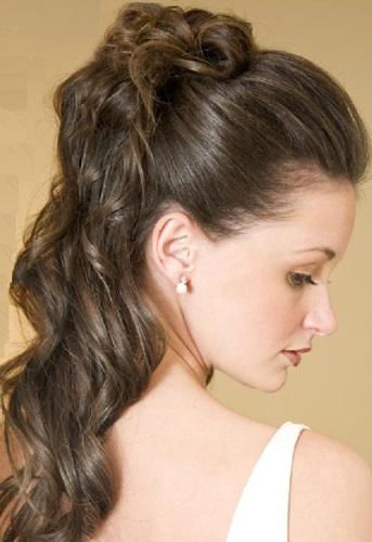 para ir a una fiesta siempre te vendr bien este peinado semirecogido porque si tienes el pelo ondulado lo har lucir ms y si te gustan las ondas - Peinados De Fiesta Semirecogidos