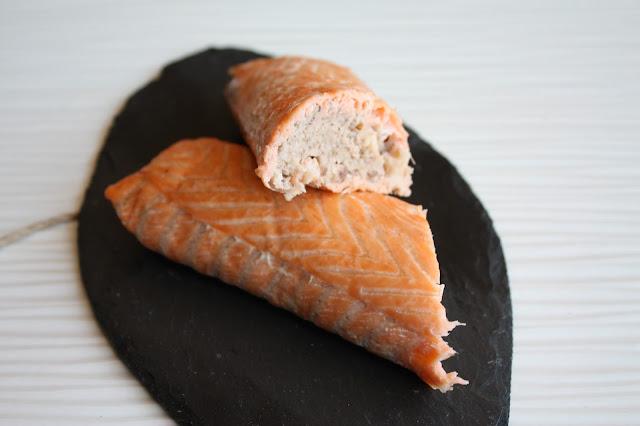 salmone ripieno con gamberi e taggiasche