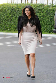 Kim Kardashian Pictures in Stylish Short Dress in Los Angeles  0002.jpg