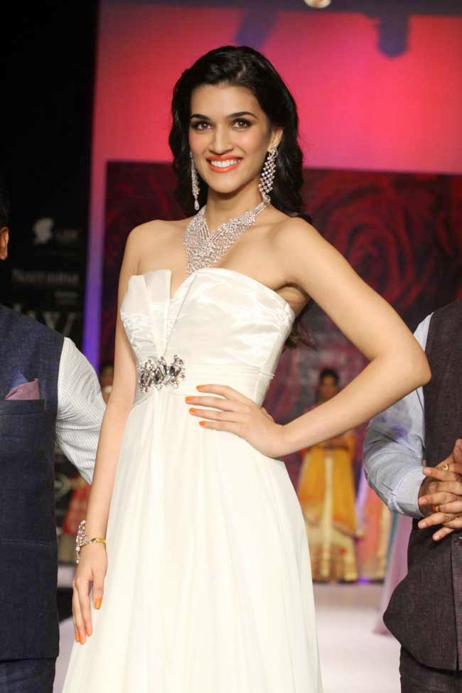 Actress Kriti Sanon at IIJW 2014