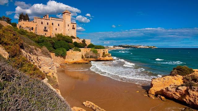Paisaje Castillo de Tamarit Tarragona Espana
