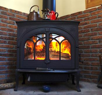 ご紹介:高い場所の煙突掃除を良心的なスノースタイル㈱さんにしていただいた。何しろ火を扱うのでしっかりした対応をしてくれるところが大切。