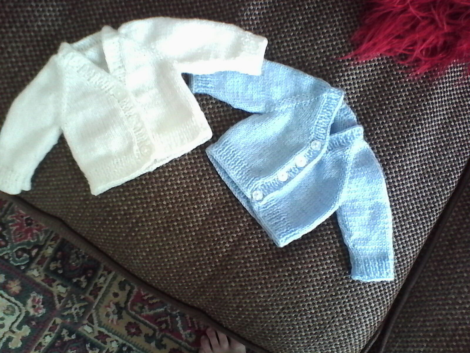 A Crafty Blog: Baby Cardigans - top down