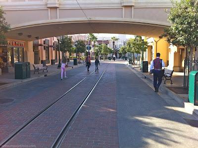 DCA DIsney California Adventure Buena Vista Rope Drop