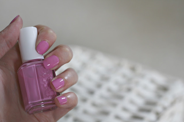 Essie-nail-polish-cascade-cool-blog-swatch