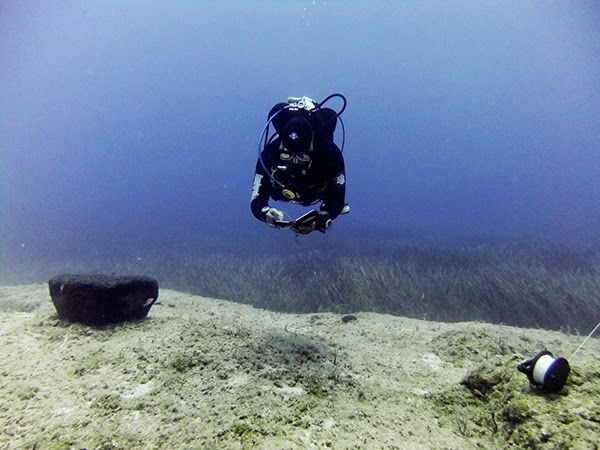 diver demonstrating neutral buoyancy