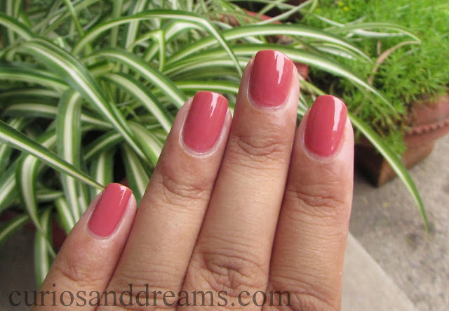 Revlon Nail Enamel 301 Really Rosy review, Revlon 301 Really Rosy review