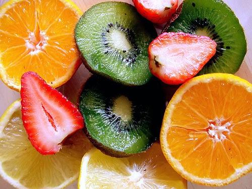 Alimentos ricos em Vitamina C (fontes e onde encontrar)