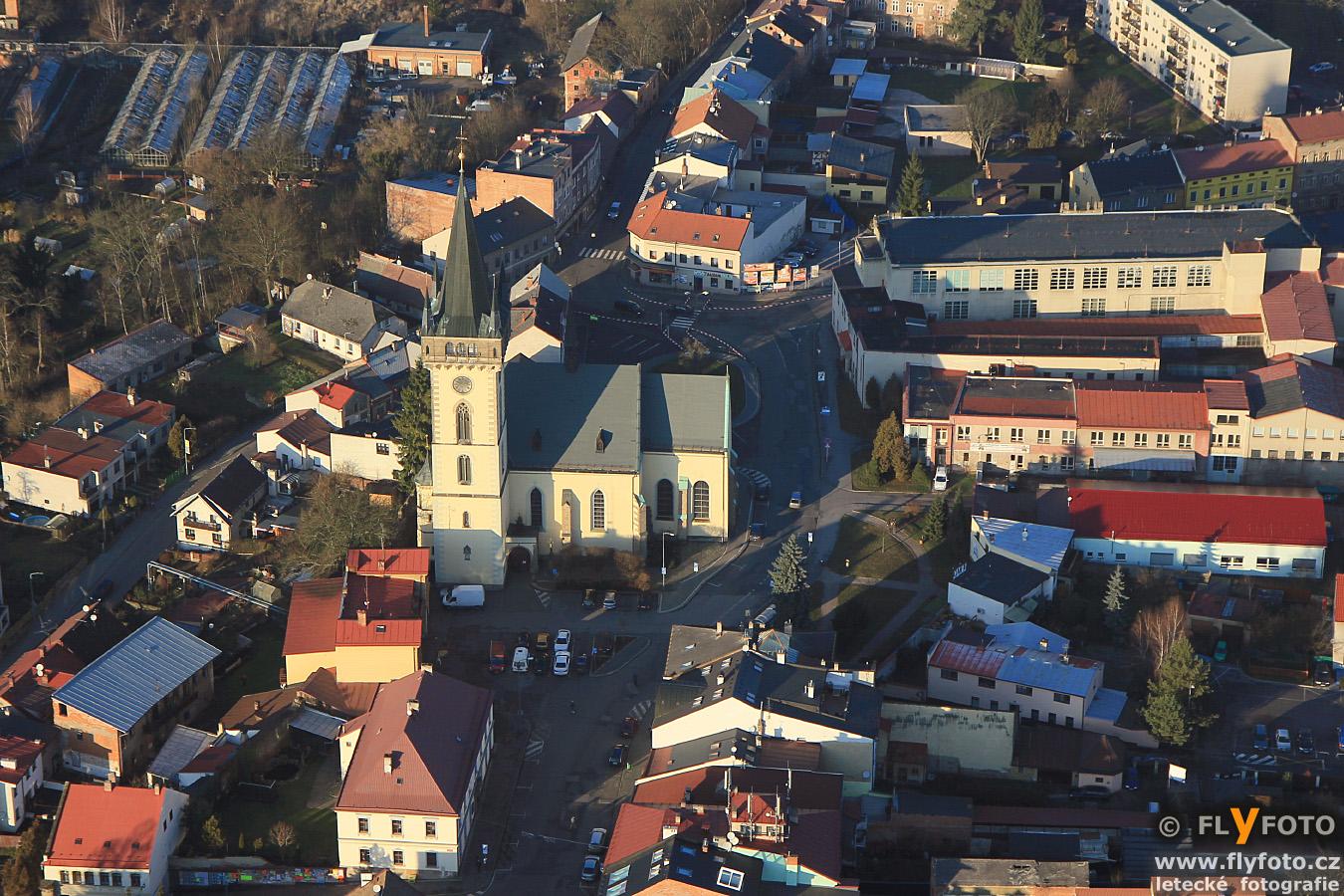 náměstí Republiky s kostelem sv. Jana Křtitele