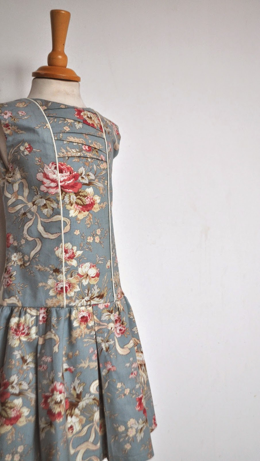 DIY jurk communiejurk communiekleed naaien sewing SVDHZ stof voor durf het zelvers