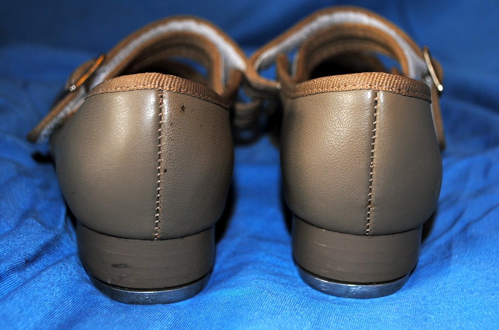 Tan Capezio Tap Shoes Size