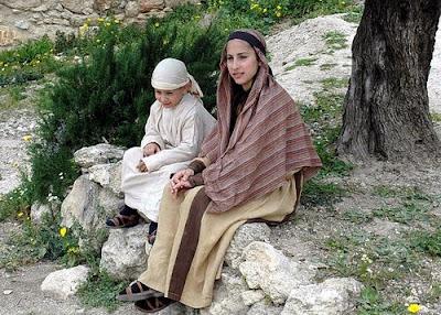 La mujer judía en tiempos de Jesús - ¿Cómo vivía la Virgen María? 1