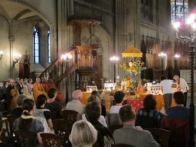 Buddha Maitreya, Offene Kirche Elisabethen, Buddha Maitreya, Offene Kirche Elisabethen, Maitreya Reliquien, Basel, Bodensee, Bodensee Maitreya, Herzschrein,