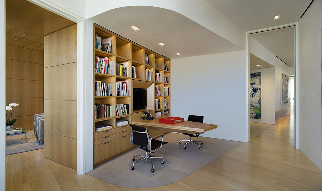 Photo of home office in Bloomberg Tower Penthouse