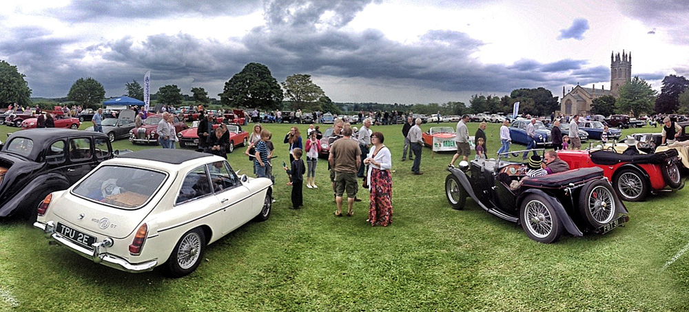 AUSTIN OF ENGLAND AT THE CHURCHILL VINTAGE AND CLASSIC CAR SHOW - Antique and classic car show