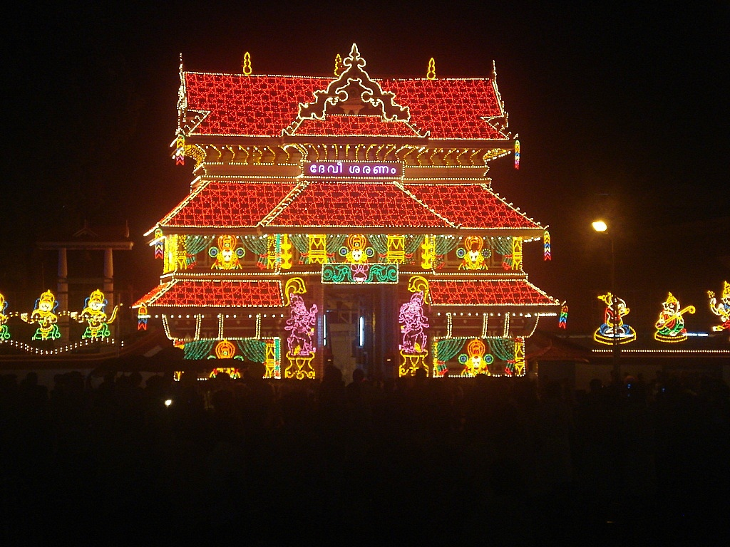 Thrissur Pooram Temple Wallpaper, Photo Images - Festival Chaska